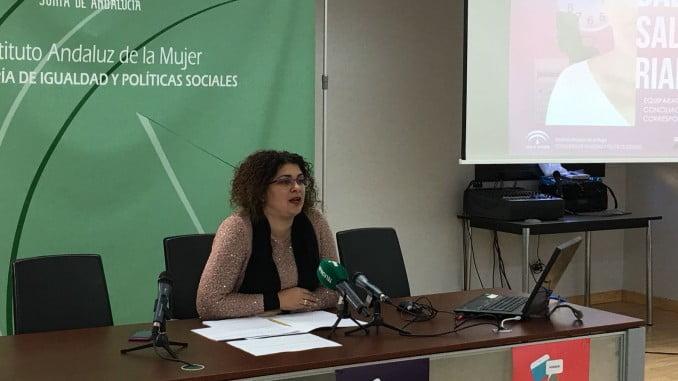 """Eva Salazar dice que la brecha salarial en Huelva es del 32,6%, y tiene su raíz en la falta de corresponsabilidad en el hogar, que contribuye a que """"las mujeres decidan, para poder conciliar, reducir sus horas de trabajo"""""""