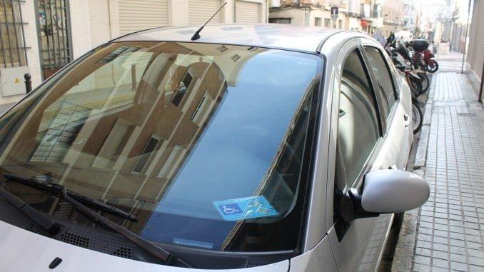 Todas las personas usuarias de la Tarjeta Azul están exentas de pagar estas tasas en toda la zona ORA en Huelva