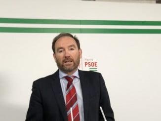 """Pepe Fernández reclama al Ejecutivo de Rajoy """"una financiación justa y digna que permita sostener los pilares fundamentales de la economía provincial"""""""
