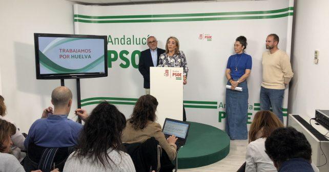 Miembros del PSOE y de los sindicatos de las Fuerzas y Cuerpos de Seguridad en rueda de prensa