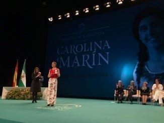La campeona de bádminton Carolina Marín recibe la Medalla de Andalucía