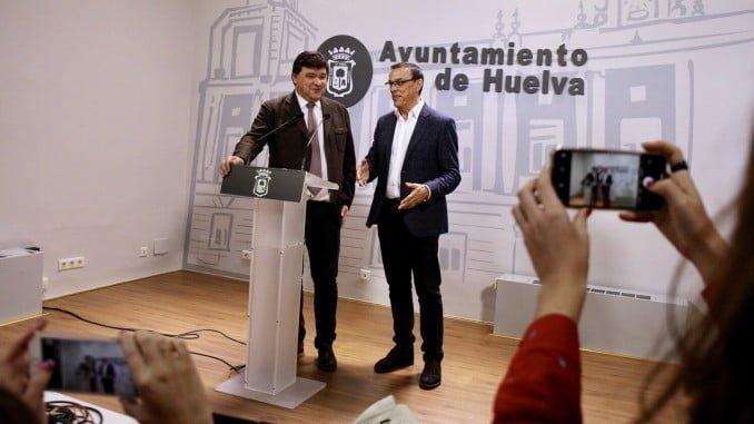 El alcalde de Huelva y el presidente de la Diputación se unen para pedir mejores infraestructuras férreas