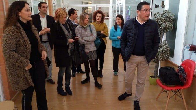Responsables de la Junta han visitado con el alcalde de San Bartolomé las empresas creadas en 2017