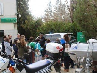 Alumnos de dos colegios de la capital han conocido los dispositivos de emergencias de la Junta