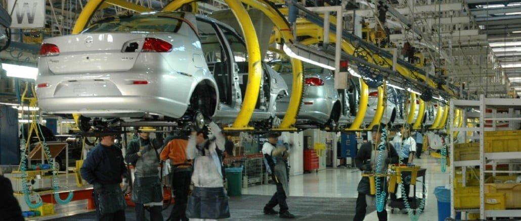 Todos los sectores aumentan sus exportaciones, excepto el automóvil, con ventas similares a las de 2016