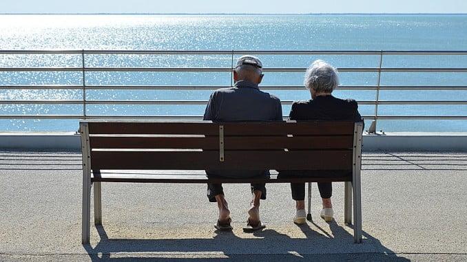 La pensión media en Huelva supera en casi 25 euros la media andaluza y crece un 1,5% , según Grávalos