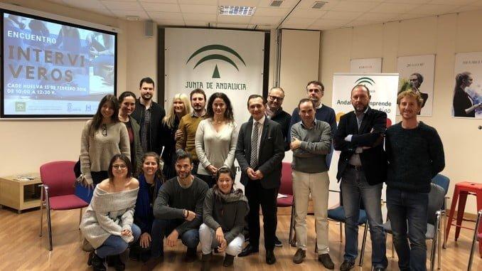 Ceada con los responsables de los nueve proyectos empresariales alojados en CADE de Huelva