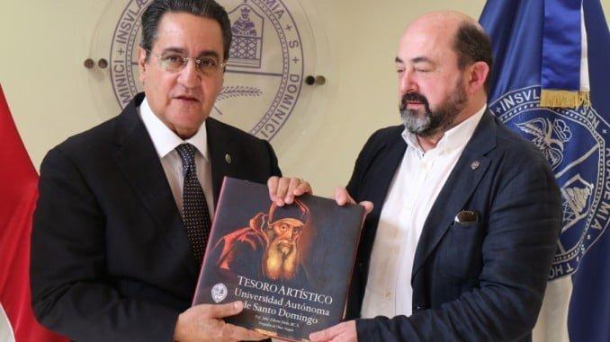 El rector de la Universidad Autónoma de Santo Domingo recibe al rector de la UNIA