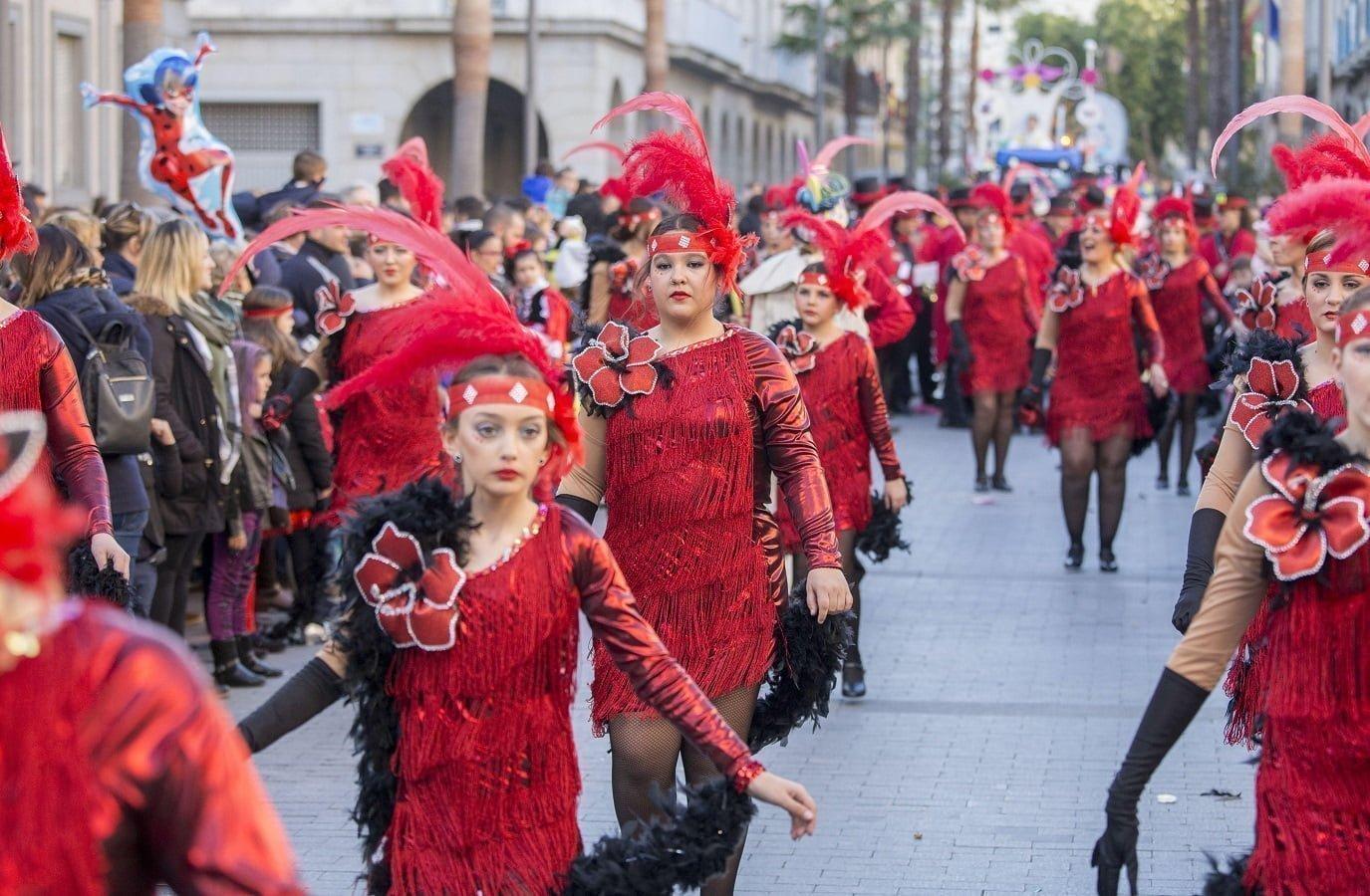 Mucha animación y ambiente en el Carnaval de calle