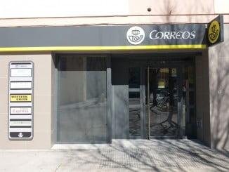 La nueva sucursal de Correos en Huelva es una oficina multiservicio con toda la amplia oferta de productos y servicios y la nueva imagen de CORREOS