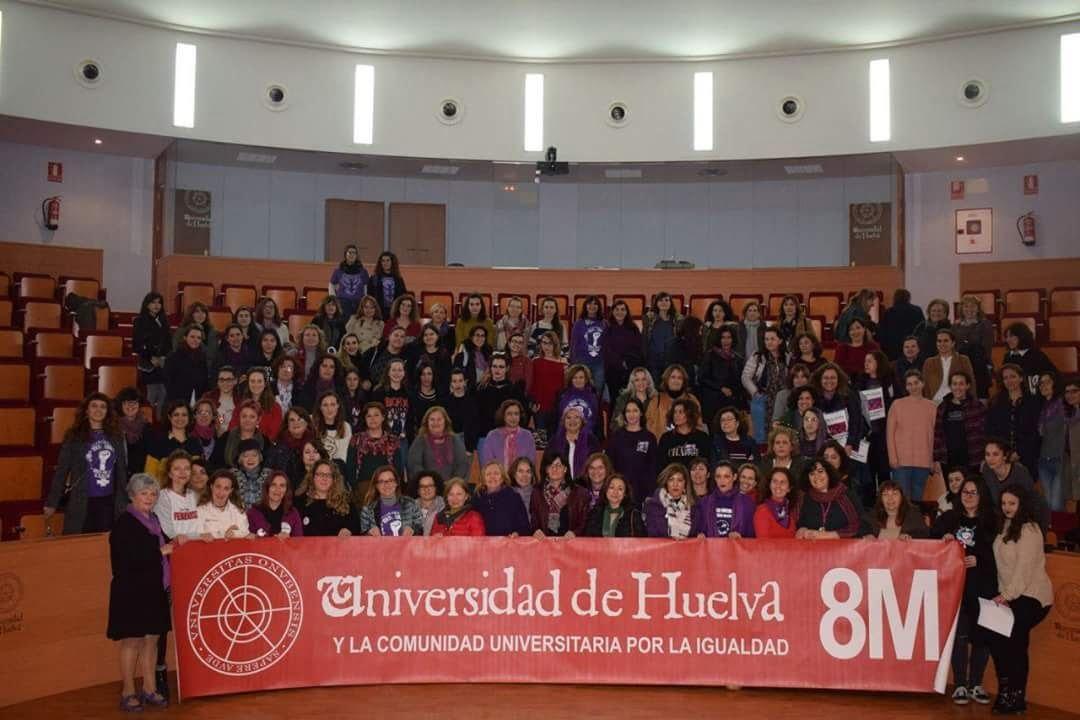 Uno de los actos más numerosos de la jornada reivindicativa ha tenido lugar en la Universidad