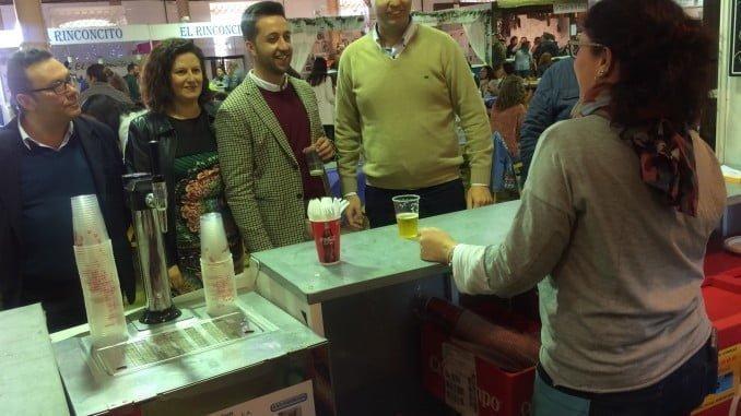En la recién inaugurada Feria Gastronómica de Valverde del Camino, los asistentes podrán degustar a 1€ las cervezas y desde 1'50€  las tapas