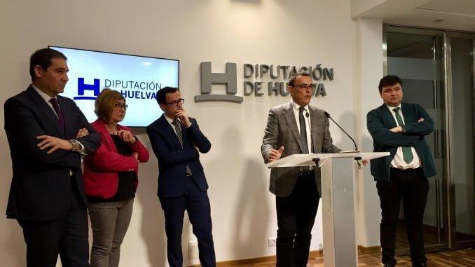 Imagen de Caraballo y Cruz en una rueda de prensa para abordar la situación de la línea Huelva-Zafra
