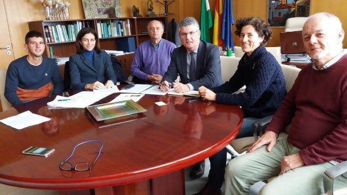 Cooperativa san José se reúne con el delegado de Medio Ambiente en Huelva