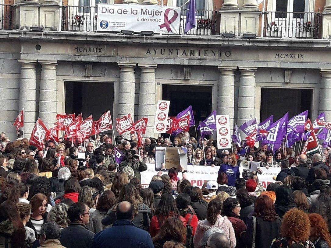 Los sindicatos piden una ley de igualdad salarial y medidas contra la violencia de género