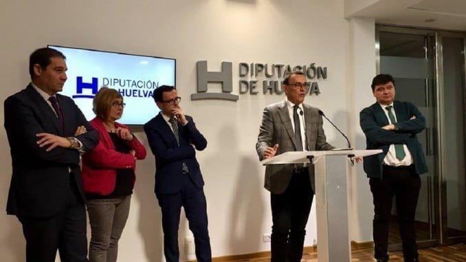 Los presidentes de las diputaciones de Huelva, Cáceres y Badajoz, el alcalde y el presidente del Puerto