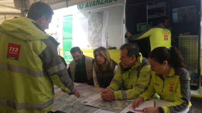 La presidenta de la Junta también se ha desplazado a Guillena para conocer in situ los pormenores de la búsqueda del guardia civil desaparecido