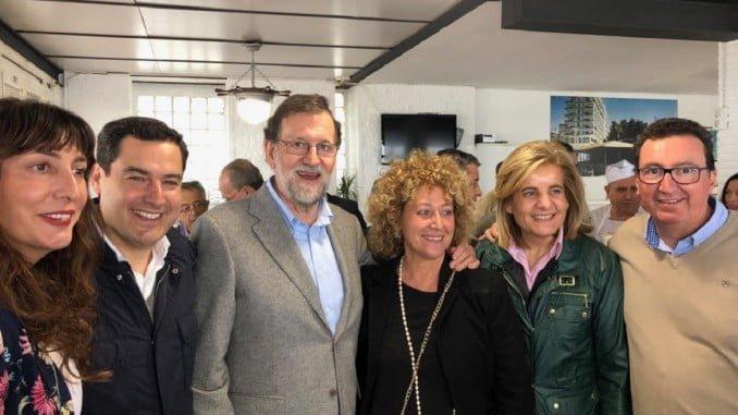 La candidata a la alcaldía de Huelva, Pilar Martín, junto a Mariano Rajoy