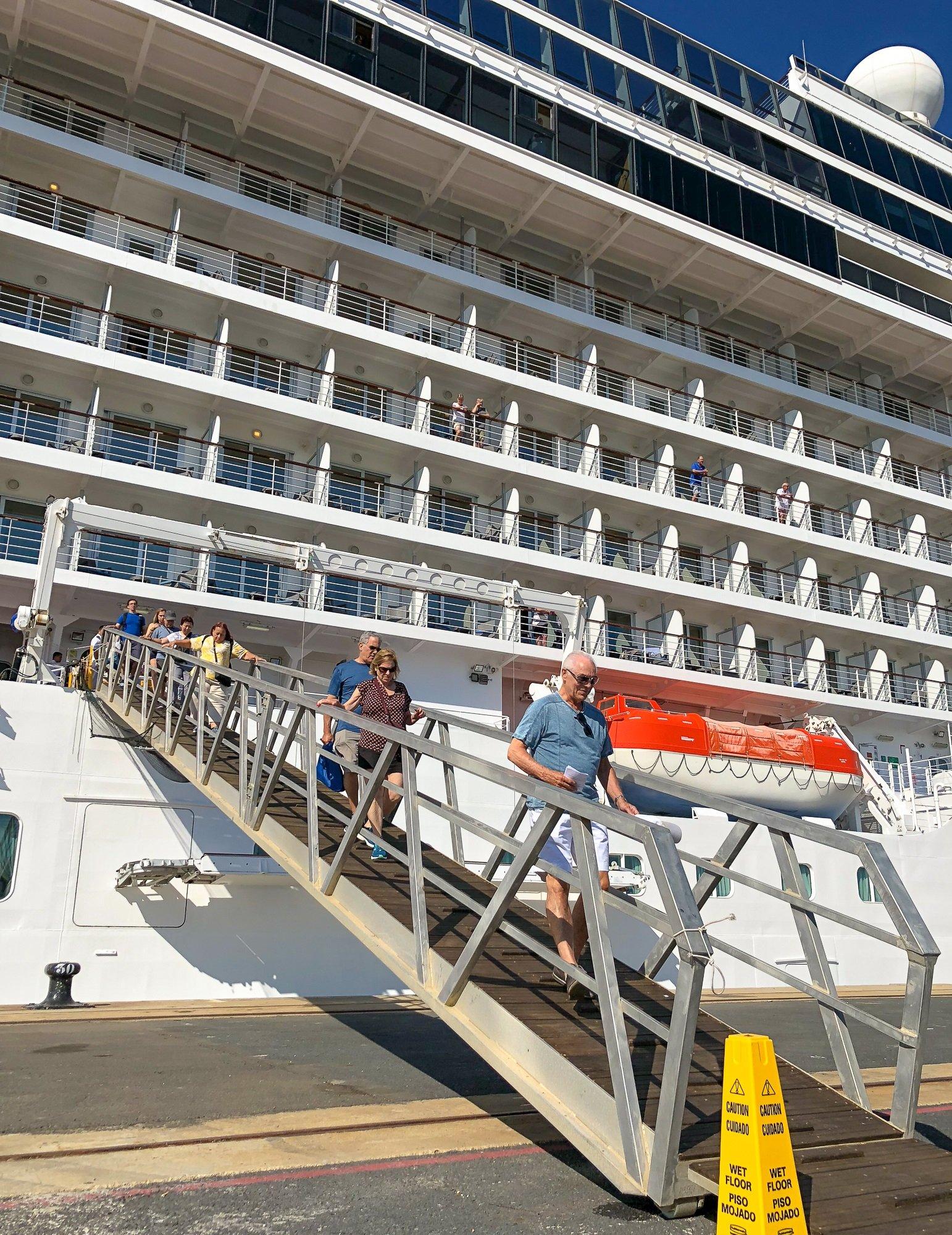 Crucero MS Riviera - Puerto de Huelva-7