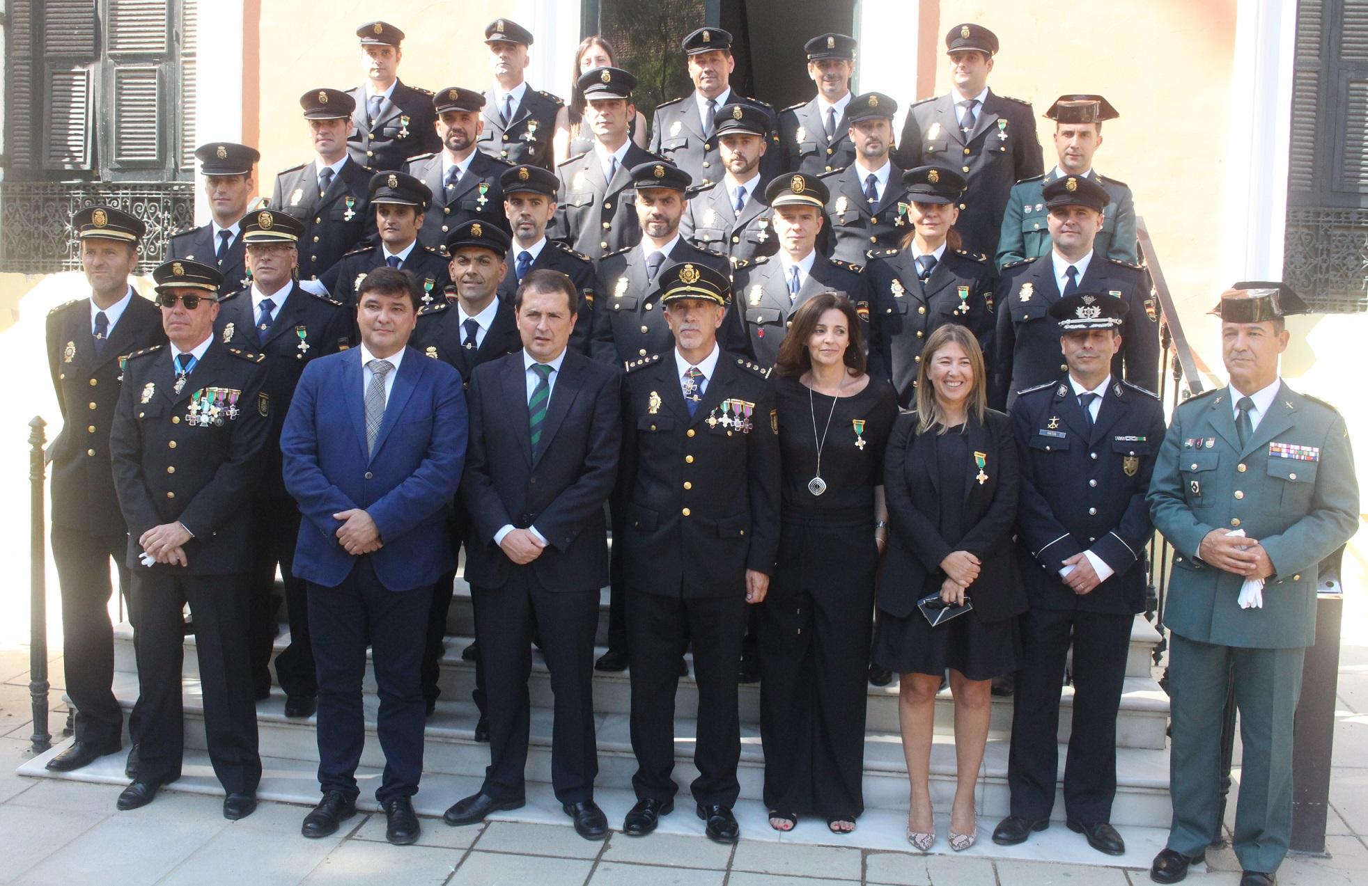 20161003 Día Policía Nacional autoridades y condecorados