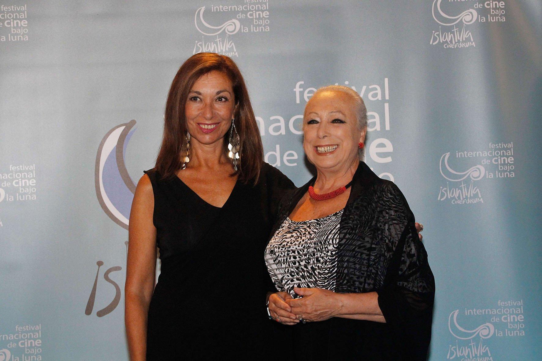 2016 08 27 Ceremonia de Clausura - Mercedes Hoyos y Cristina Hoyos