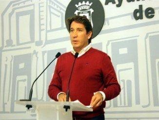 El portavoz de Ciudadanos en la Diputación de Huelva, Ruperto Gallardo, ha pedido a esta administración provincial que coordine la búsqueda de soluciones para los asentamiento de inmigrantes