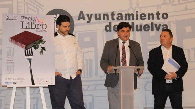 La XLII Feria del Libro se celebra con el apoyo a la candidatura de Huelva como capital gastronómica 2017