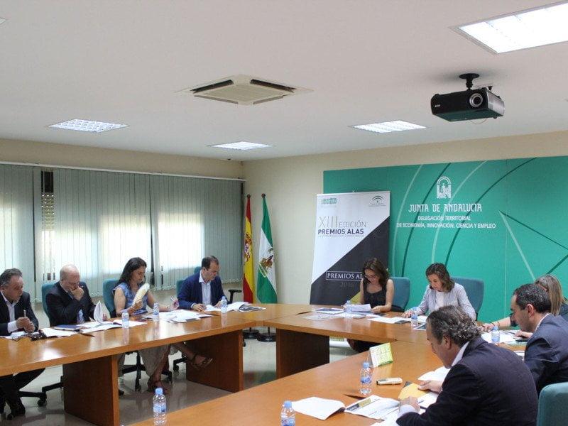 El Jurado en Huelva propuso 3 candidatos finalistas Jamones Ecológicos de Jabugo, Geotexan y TR Construya; ninguno ha salido elegido