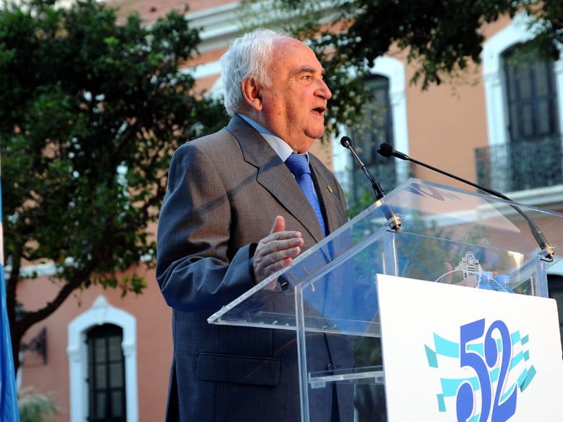 Nacho Ruiz fue presentado por su padre, un padre emocionado y satisfecho con el trabajo bien hecho de su hijo