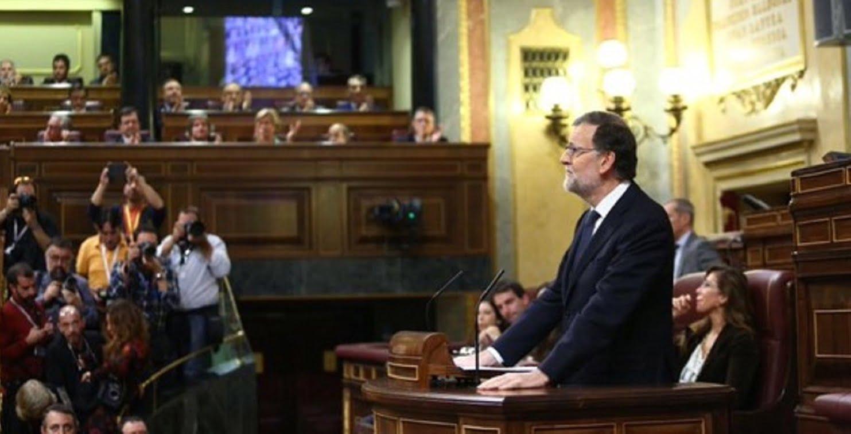 La abstención de 66 diputados del PSOE permite desbloquear la situación de interinidad en España y que Rajoy, al menos, pueda formar Gobierno.
