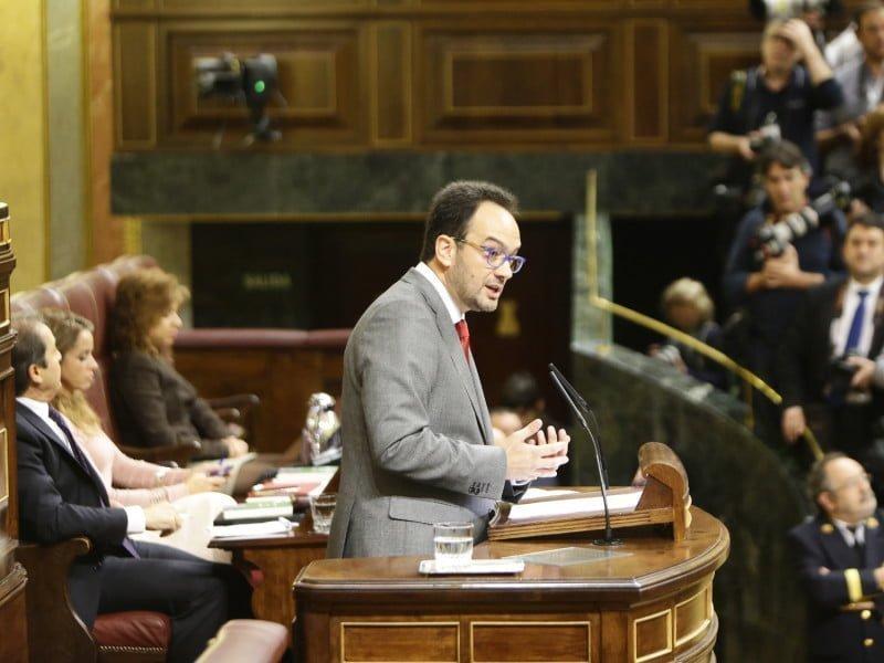 Antonio Hernándo ha advertido a Rajoy que la abstención del PSOE no es un apoyo a su legislatura