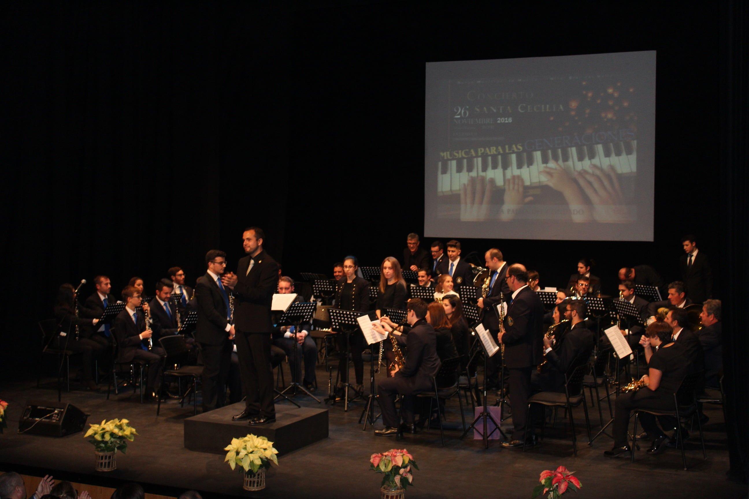La Banda agradece los aplausos del público