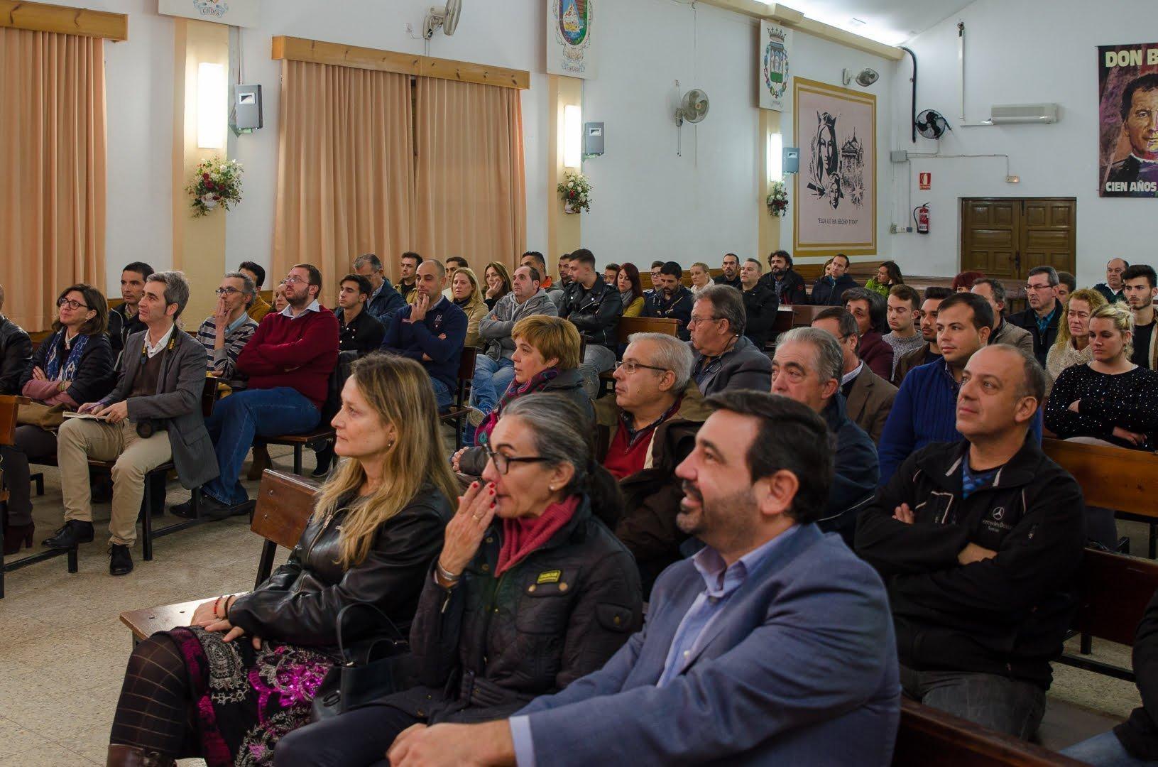 Acto de presentación en el Colegio Salesianos.