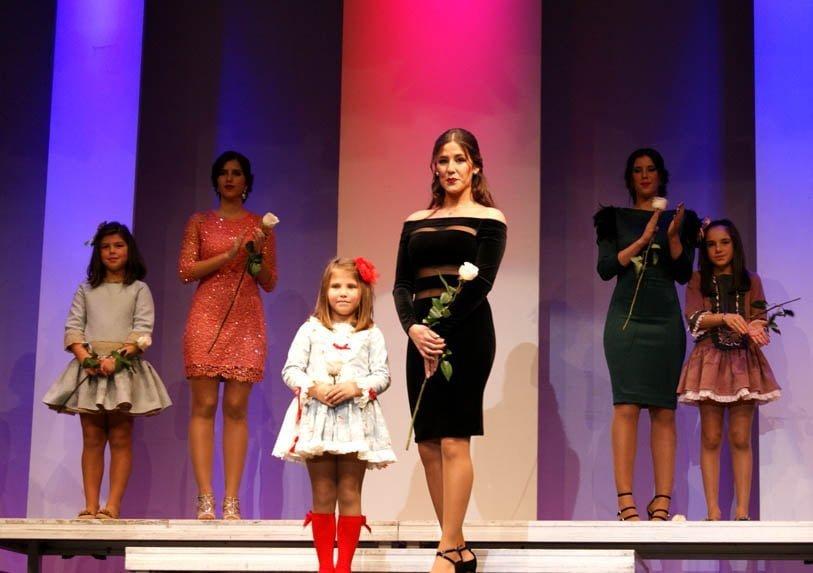La-Reina Infantil, Maria-Arriaza, y la-Reina Juvenil, Cristina-Silva.