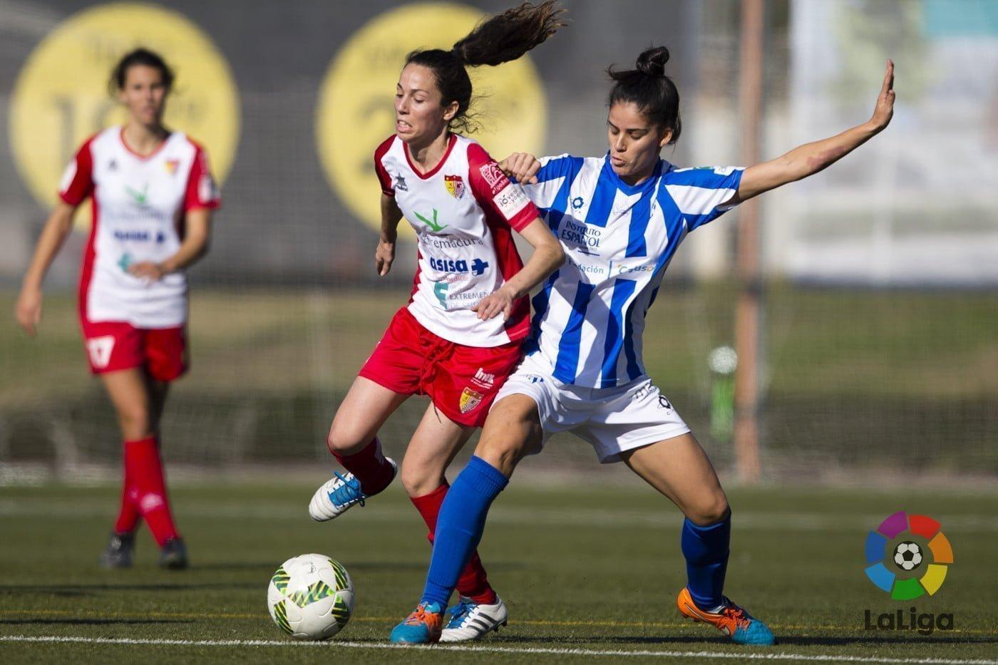 Al final, el Santa Teresa extremeño se llevó la victoria por un gol a cero ante el Sporting.