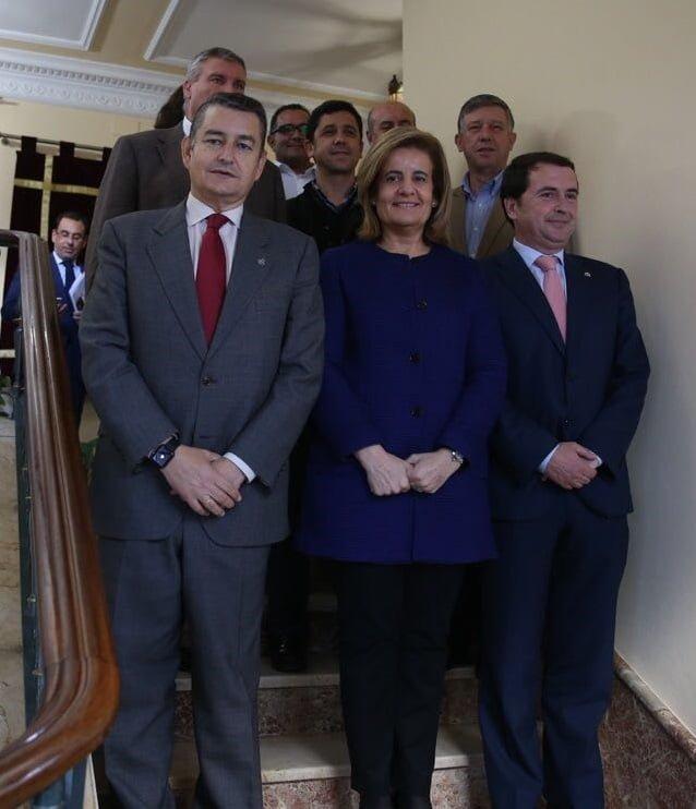 Los alcaldes de los municipios afectados se han reunido con Fátima Báñez en la Subdelegación del Gobierno en Huelva