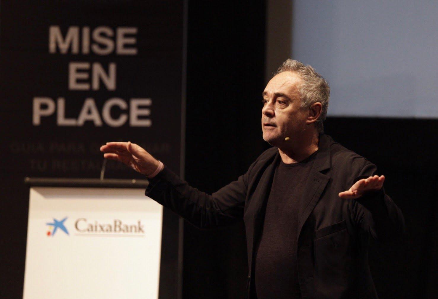 Ferran Adriá presentando el proyecto en Huelva
