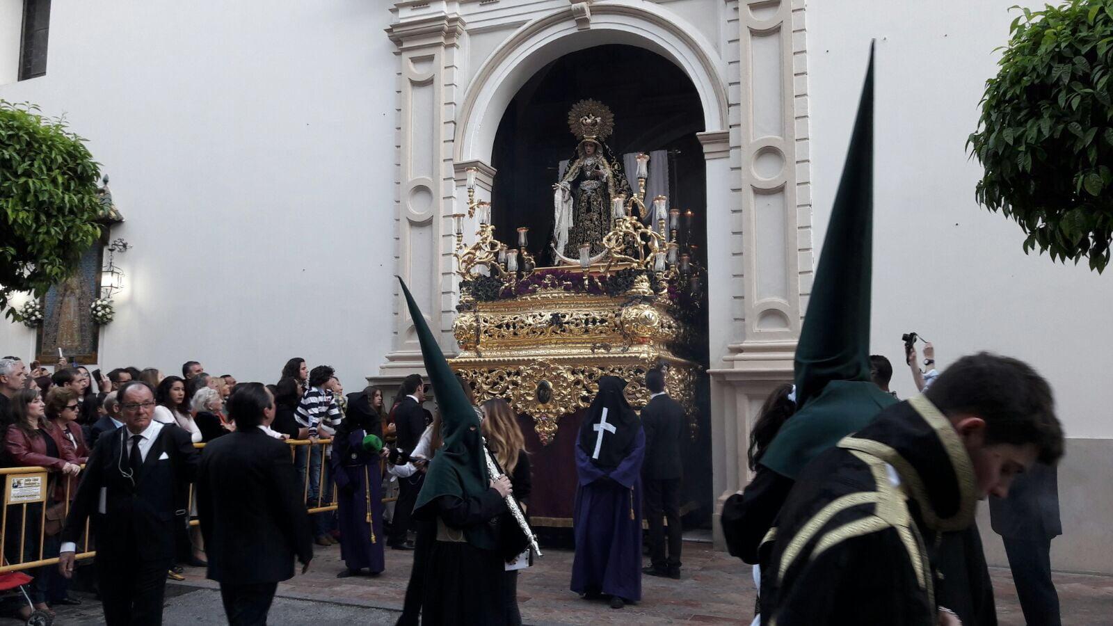 La Virgen de La Soledad saliendo de la Iglesia de la Concepción.