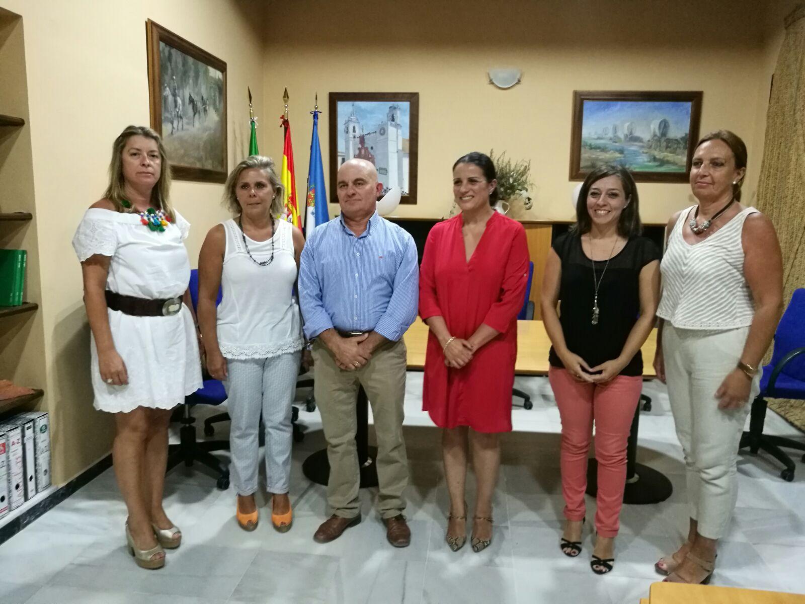 Convenio del Ayuntamiento con la Asociación de Vecinos de El Rocío.