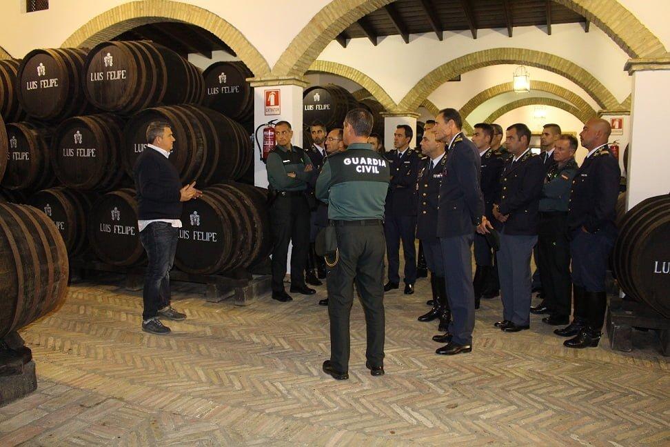 Tras la reunión, los participantes visitaron una bodega en La Palma del Condado