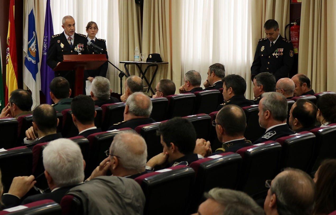 Un momento del discuro del comisario jefe provincial, Florentino Marín