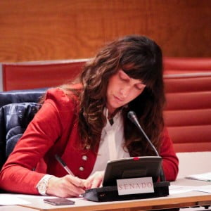 La 'popular' Loles López en el Senado