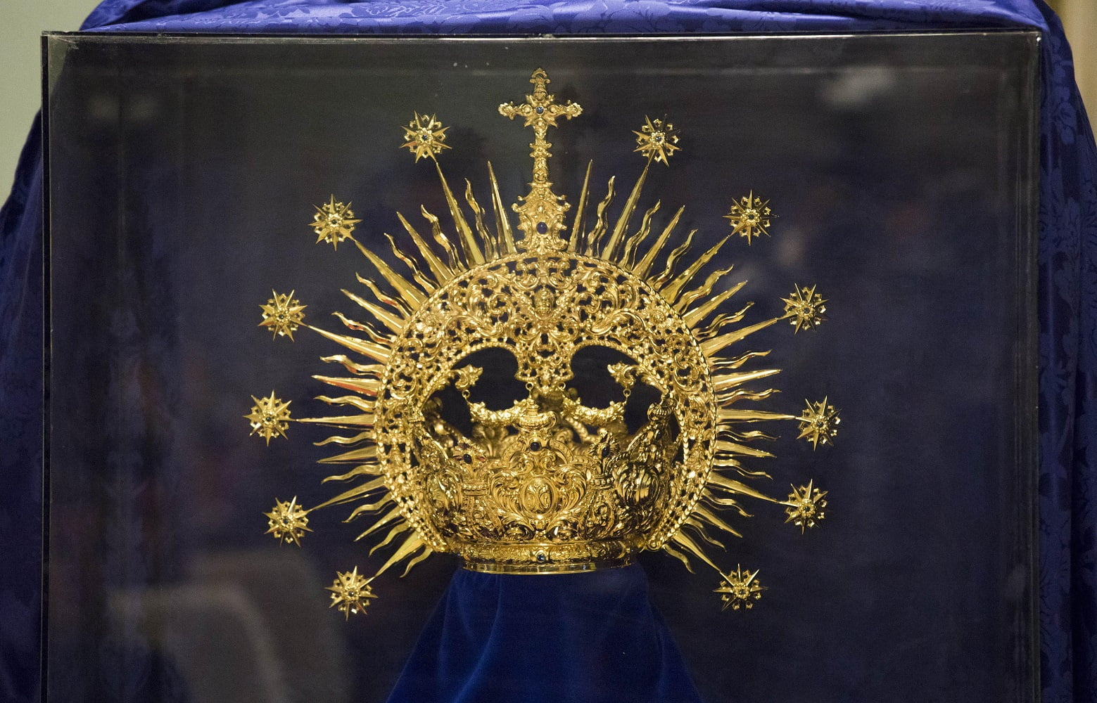 La nueva corona ha sido diseñada por Manuel Fernando Martínez y Juan Gutiérrez de Talleres 'Orfebrería San Juan'